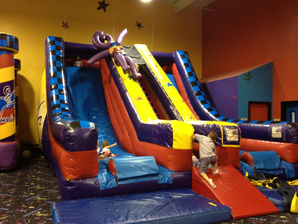 Party Room B - Pump It Up Mount Juliet