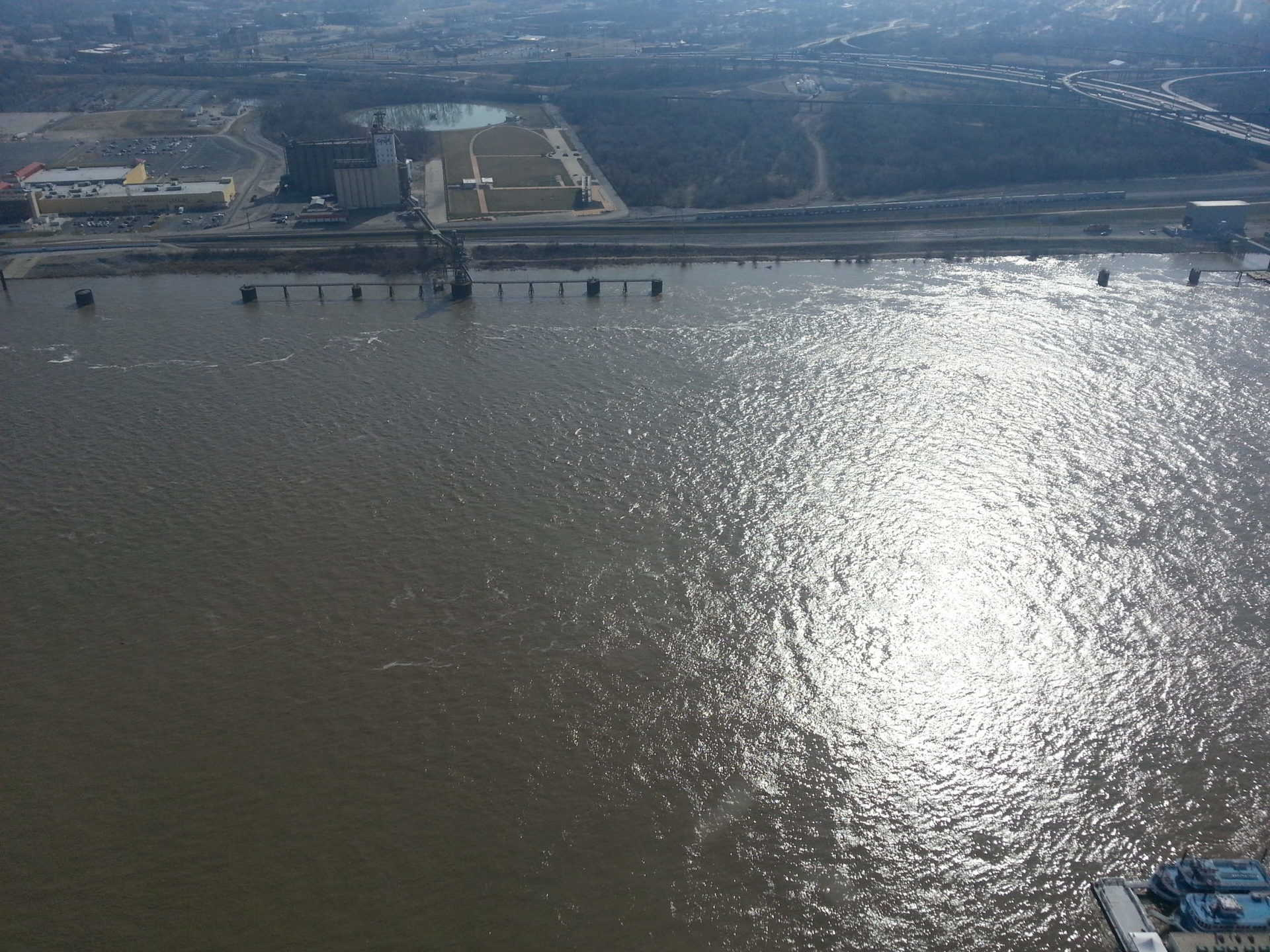 Gateway Arch, St Louis - More River Views