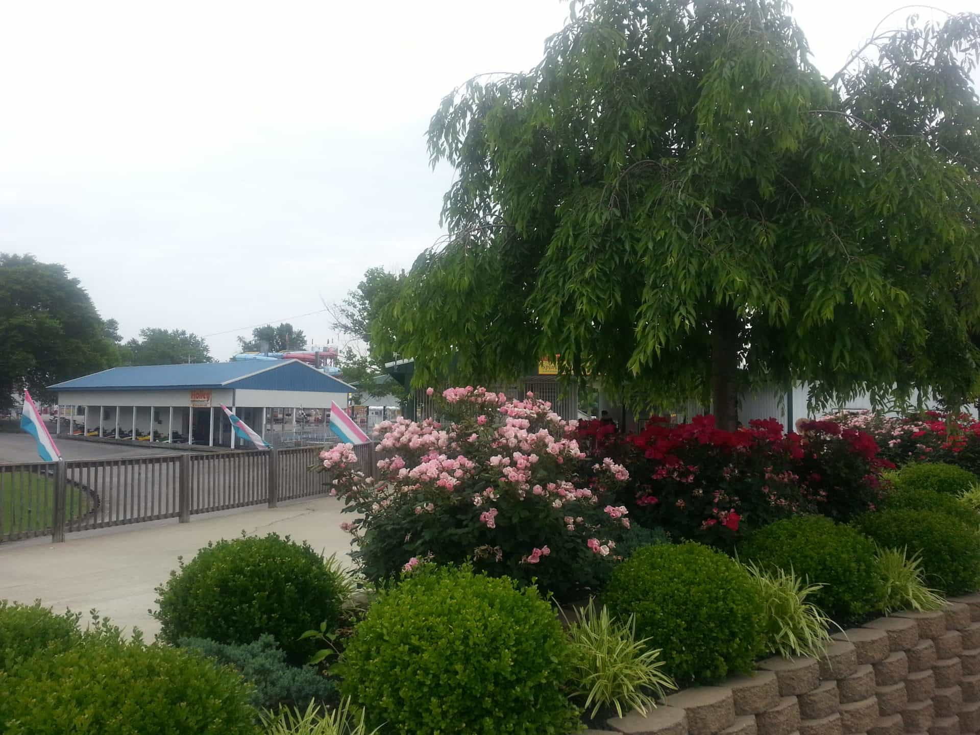 Beech Bend Park and Splash Lagoon - Gardens
