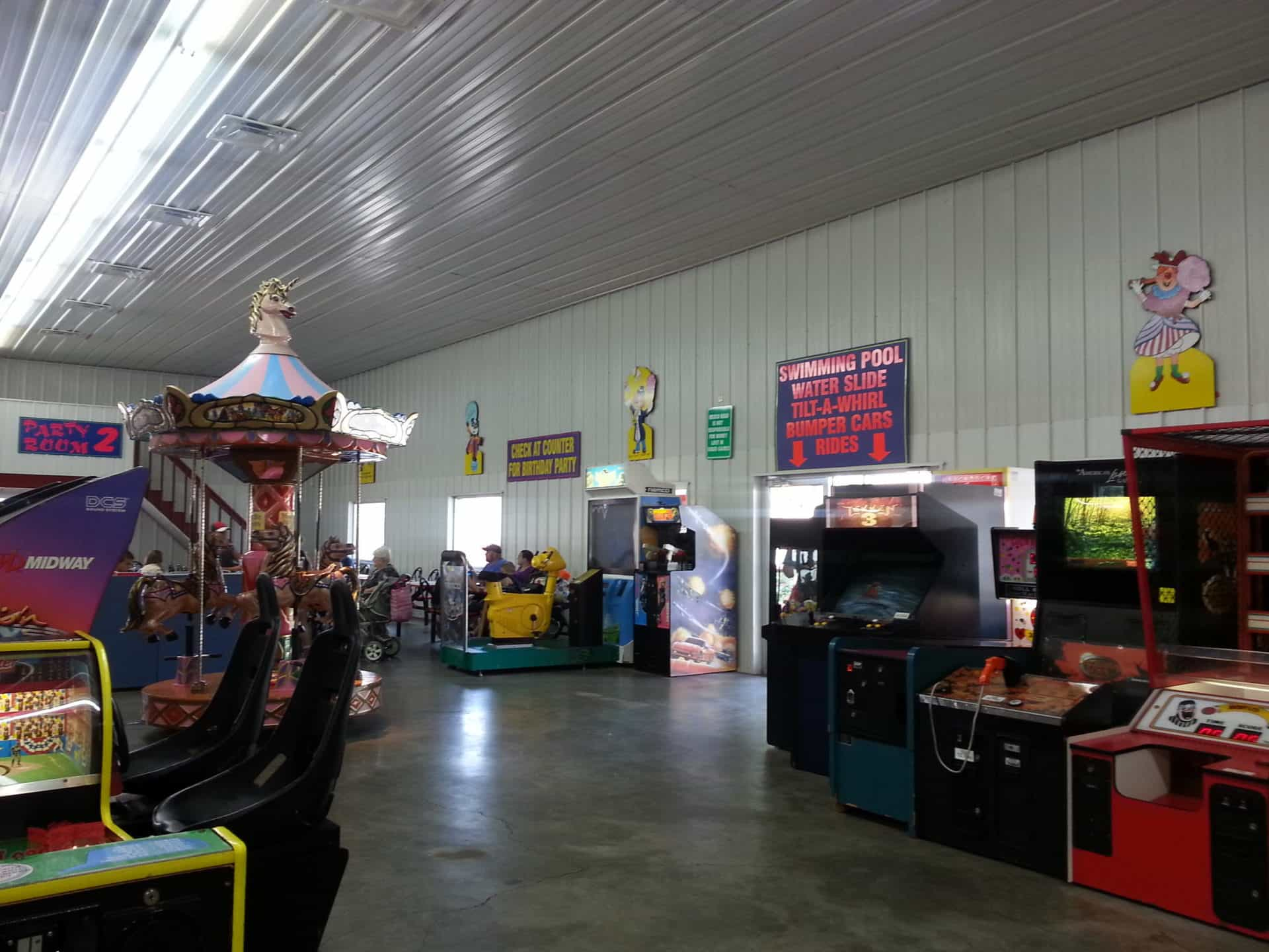 Beech Bend Park and Splash Lagoon - Indoor Arcade
