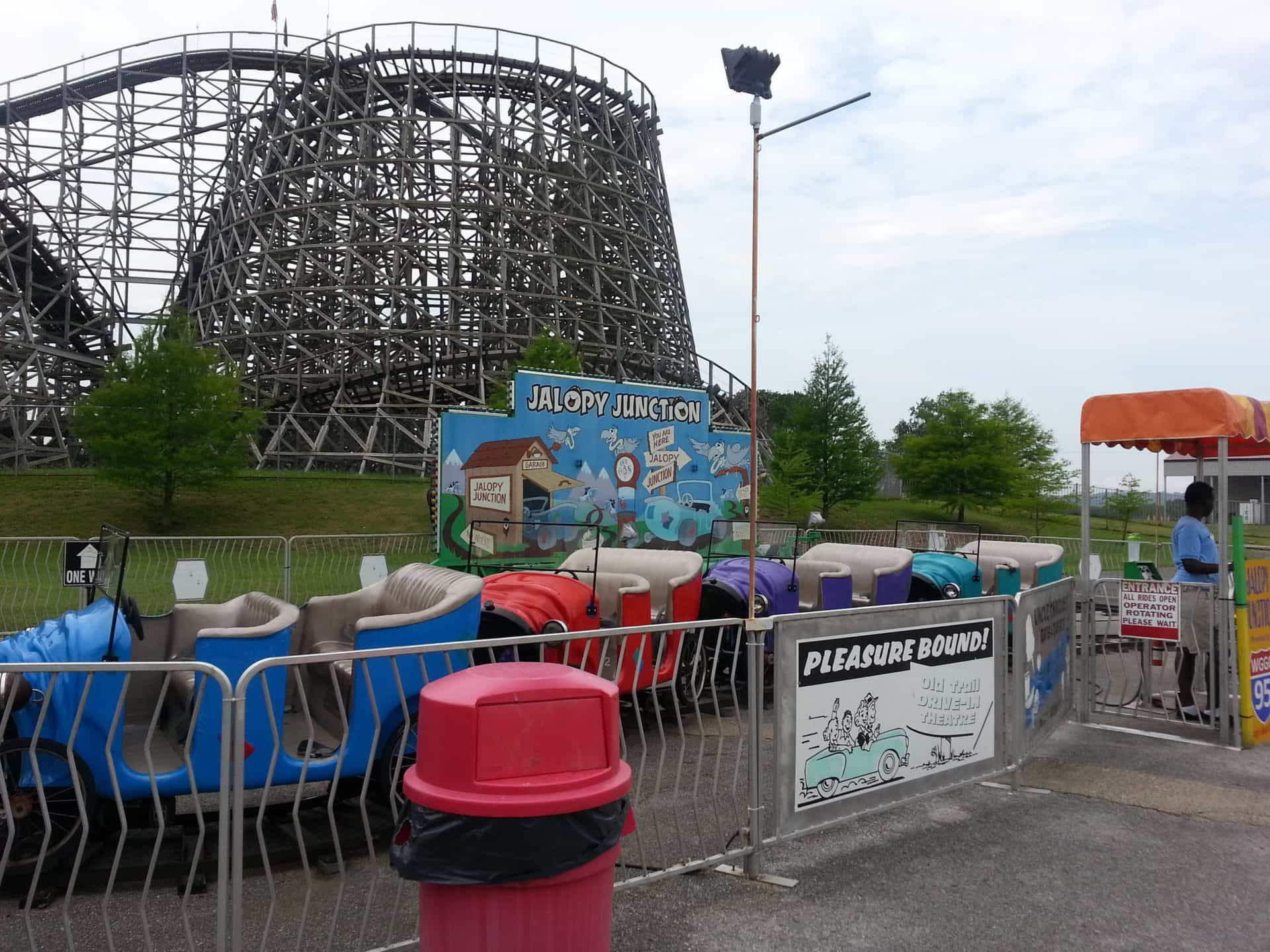 Beech Bend Park and Splash Lagoon - Cars for the Roller Coaster