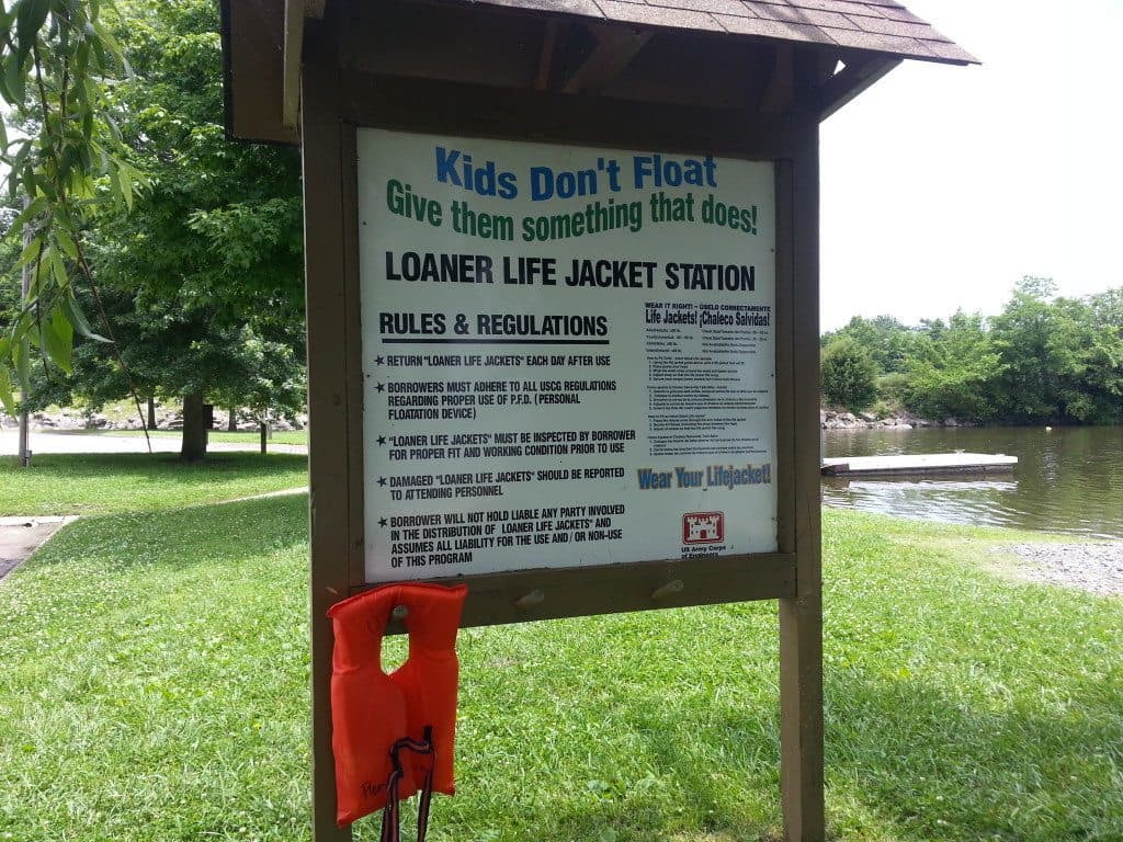 Laguardo Recreation Area life jacket sign