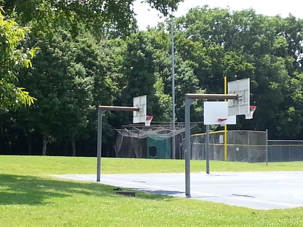 Granny White Park basketball courts