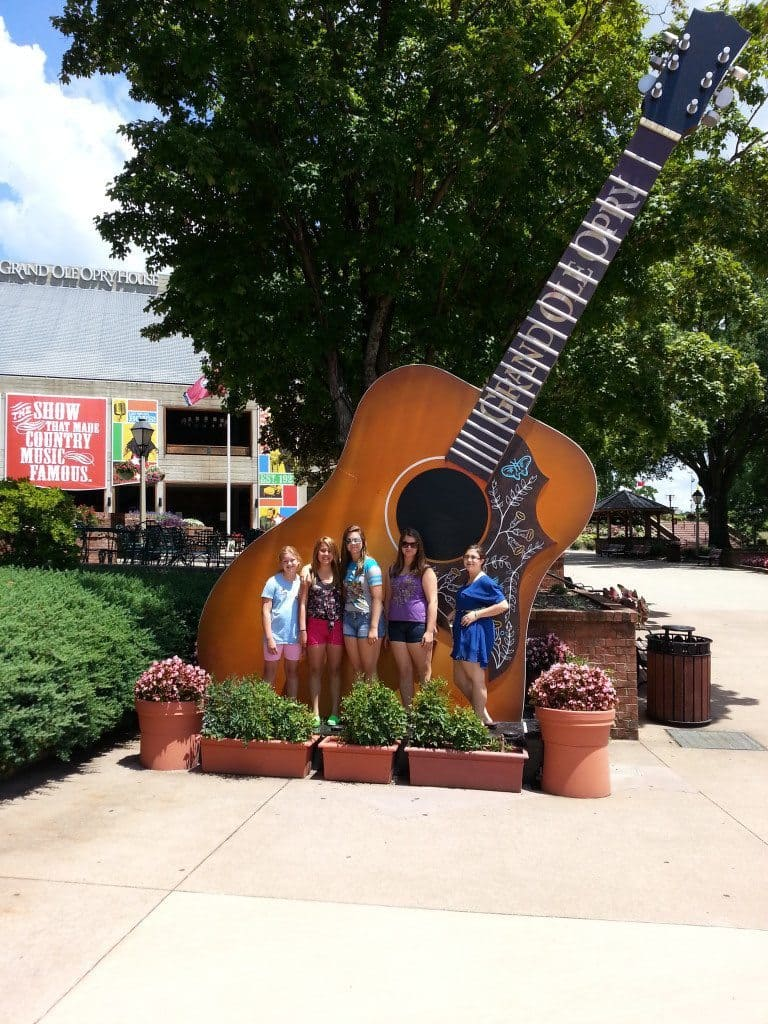 Grand Ole Opry Backstage Tour outdoor guitar statue