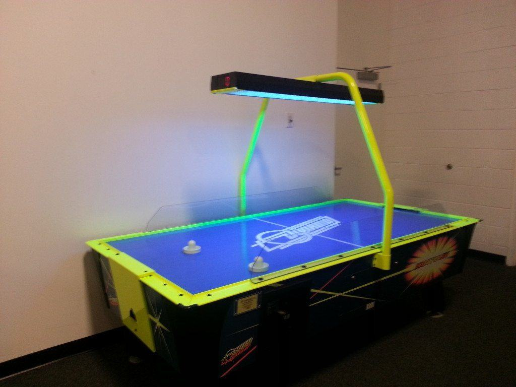 Bounce U - Air hockey