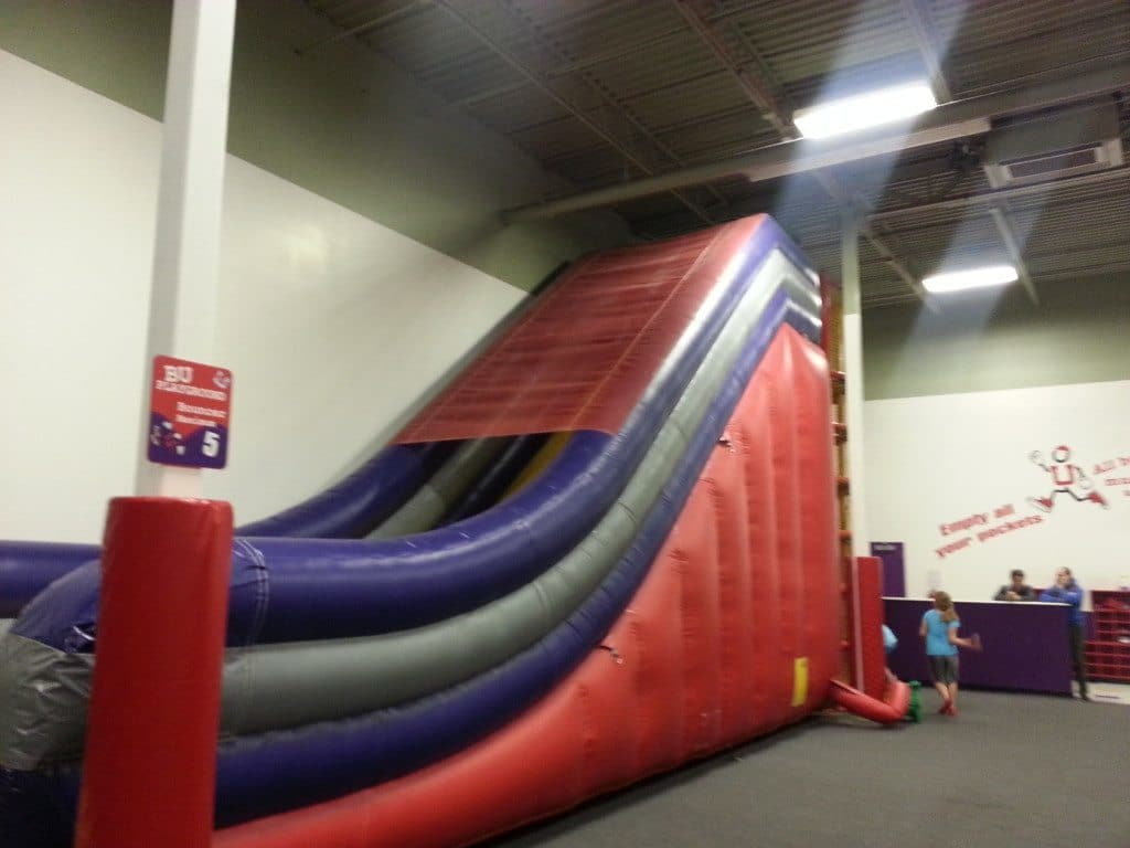 Bounce U - Giant bouncy slide