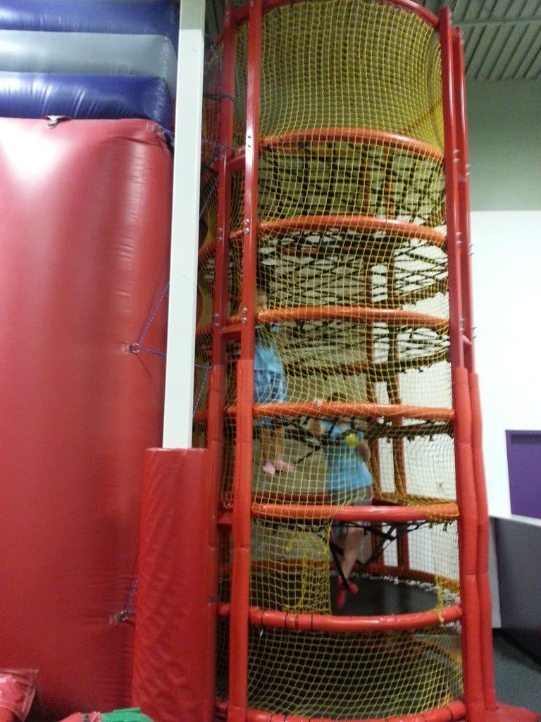 Bounce U - Climbing net ladder