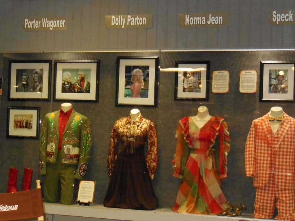 Willie Nelson and friends Museum - costumes from famous friends