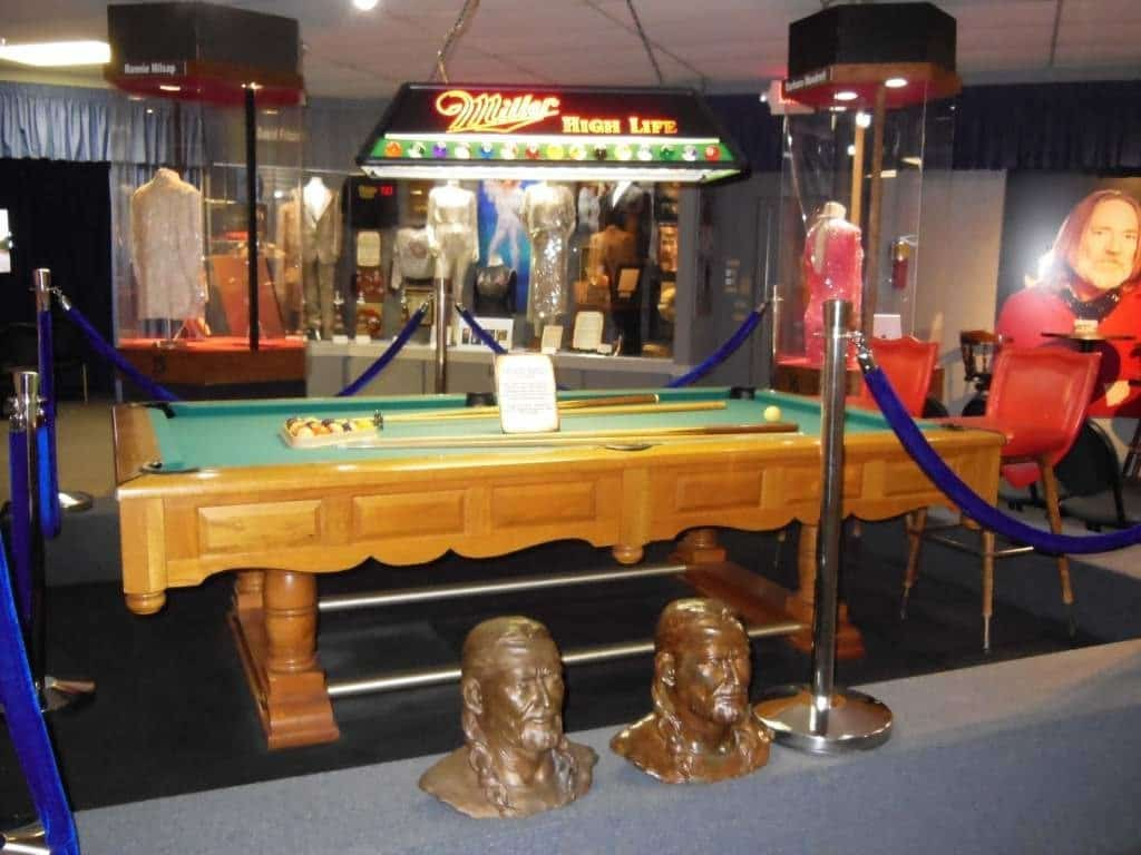 Willie Nelson and Friends Museum - pool table