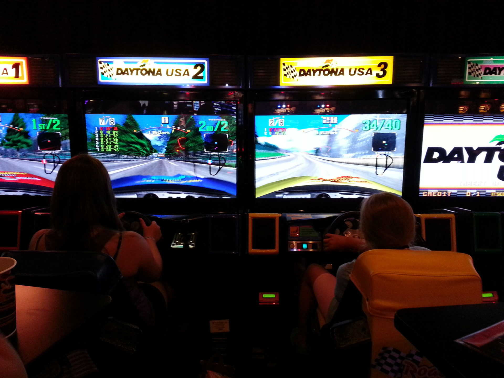 Dave and Busters Game Screens
