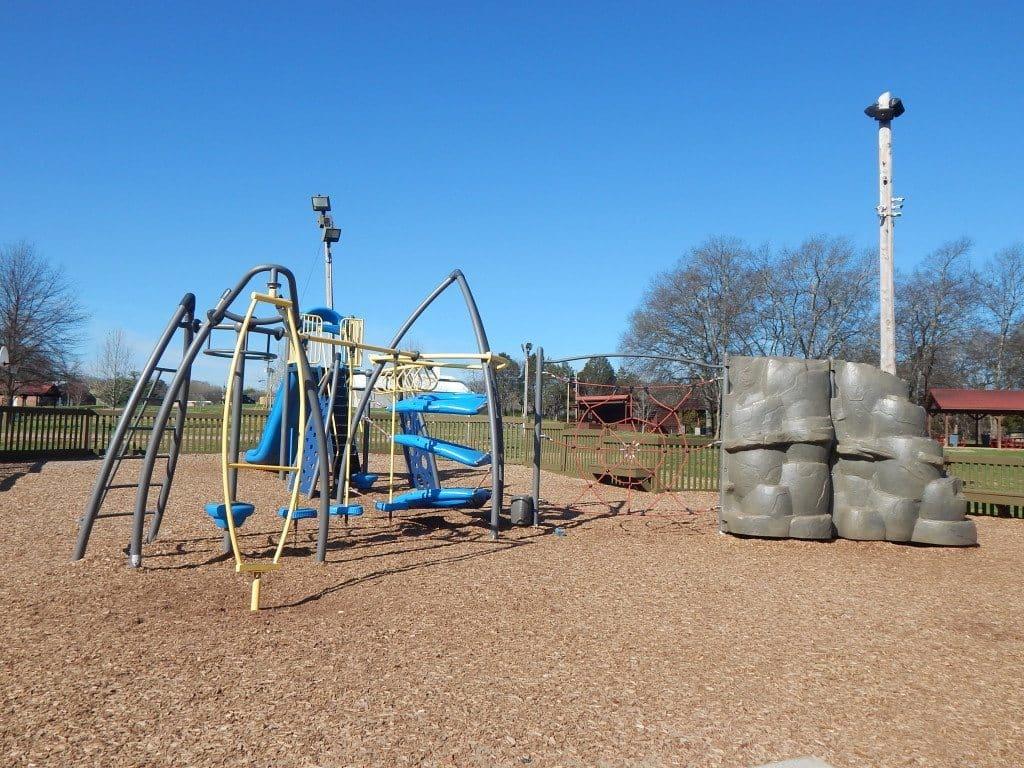 Charlie Daniels Park - Even more climbing equipment