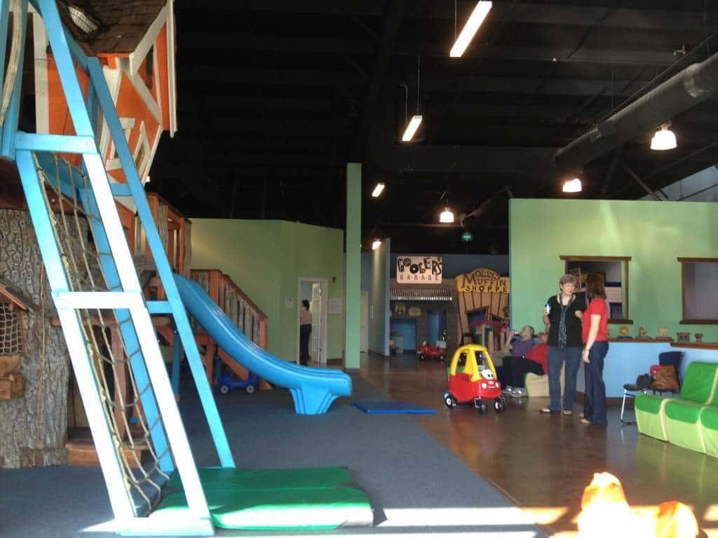 Nashville Fun For Families - Monkey's Treehouse - open area