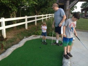 nashville fun for families - jellystone park - mini golf 2