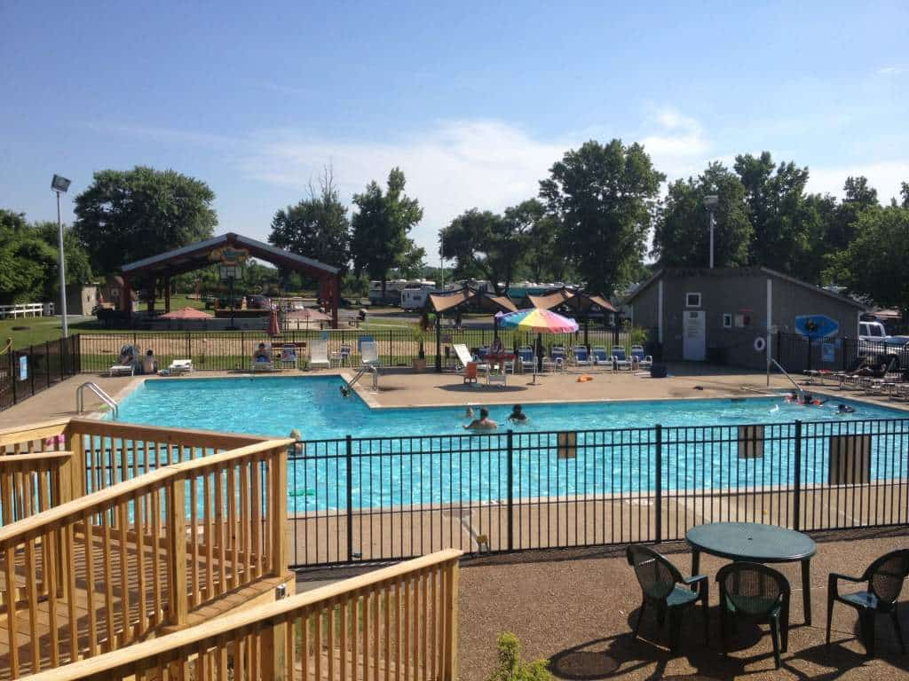 nashville fun for families - jellystone park - pool