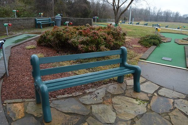 GO USA Fun Park - a bench to rest on the mini golf course