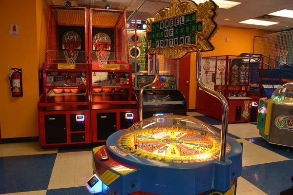 GO USA Fun Park - arcade spinning ticket wheel