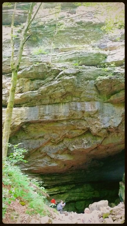 Lost Creek Falls cave 7
