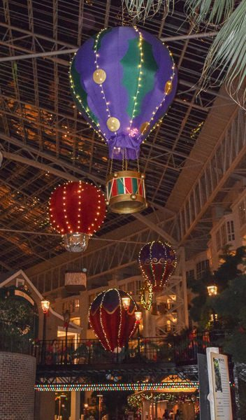 Christmas Lights At Opryland Hotel 2020 Hours Celebrate Christmas (2020) with the Gaylord Opryland in Nashville