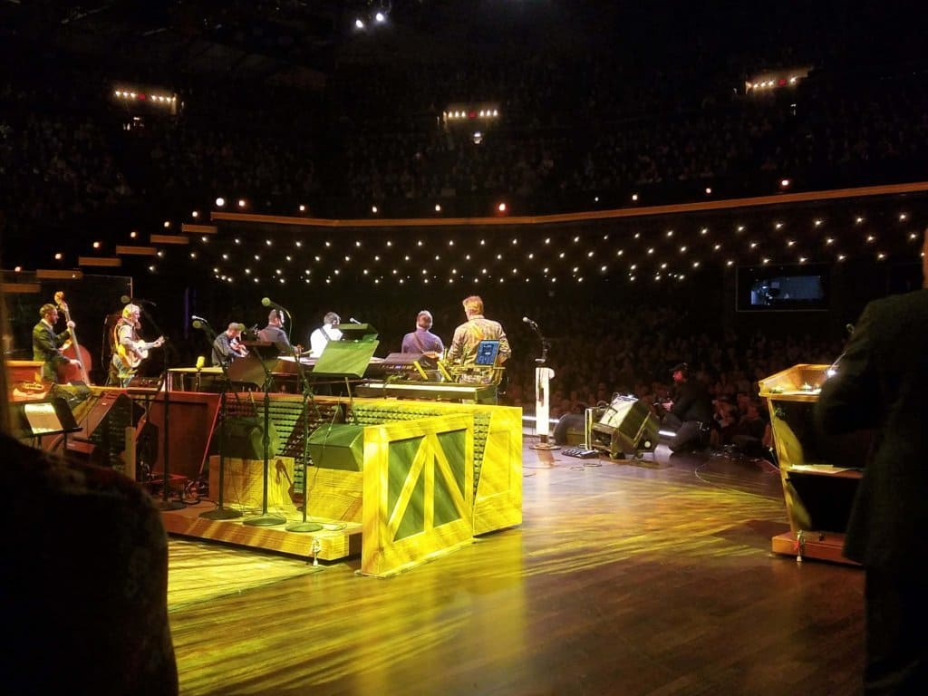 Grand Ole Opry - backstage tour behind the stage