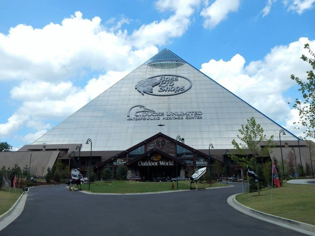 Bass Pro Shops Pyramid Memphis - front of pyramid