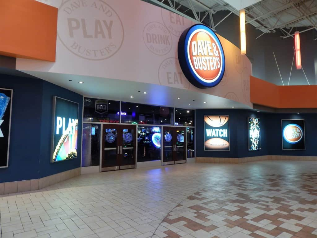 Restaurants in Opry Mills Mall - Dave and Busters
