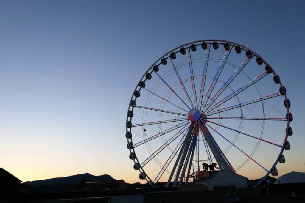 Margaritaville Island Hotel Pigeon Forge - Island Wheel at sunset