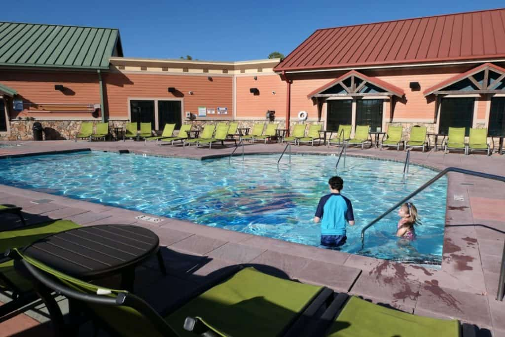 Margaritaville Island Hotel Pigeon Forge - getting in the pool