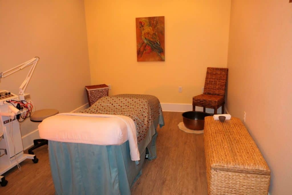 Margaritaville Island Hotel Pigeon Forge - spa treatment room