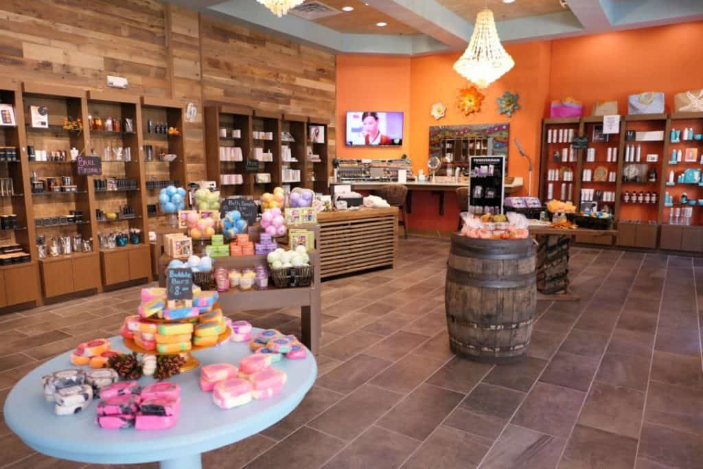 Margaritaville Island Hotel Pigeon Forge - st somewhere spa store