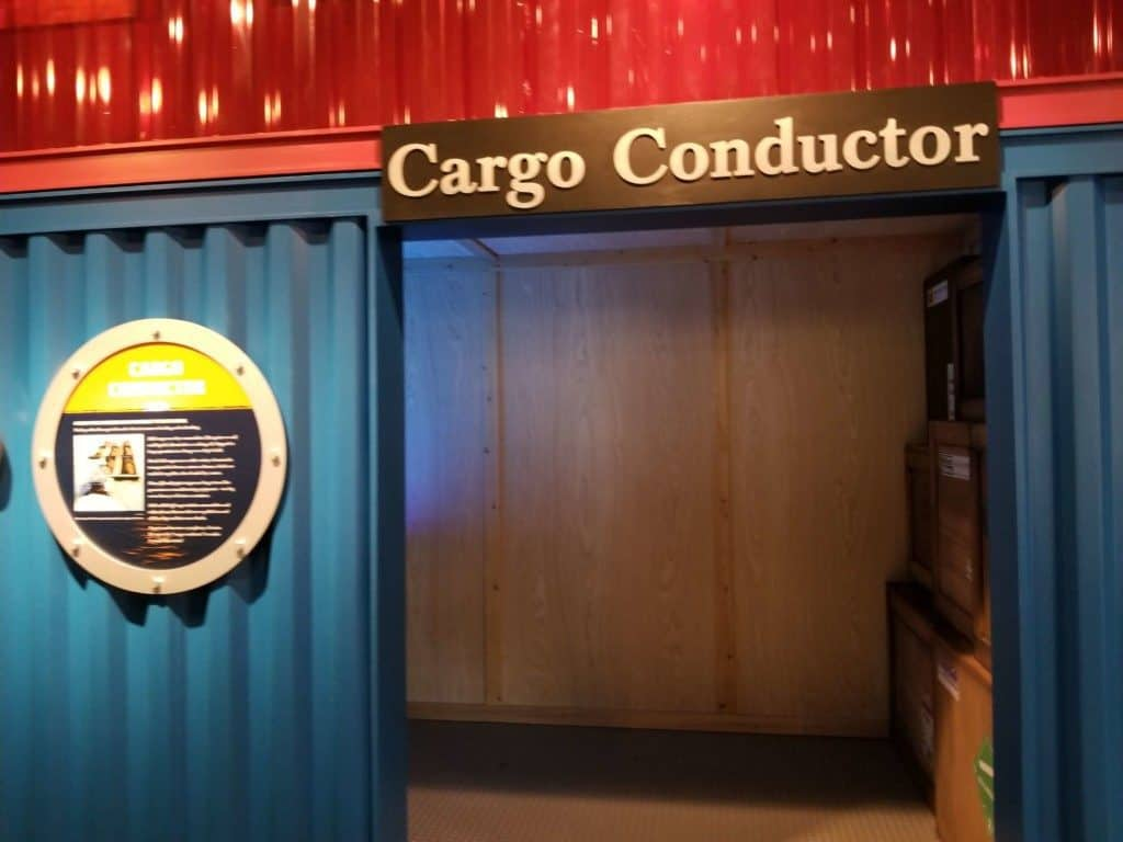 Gulf Quest cargo conductor exterior