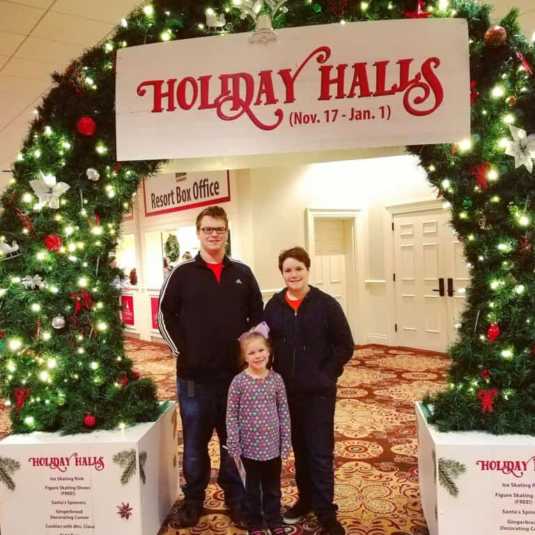 Gaylord Opryland's Build-a-bear workshop scavenger hunt - Hanging out at the entrance of the holiday halls