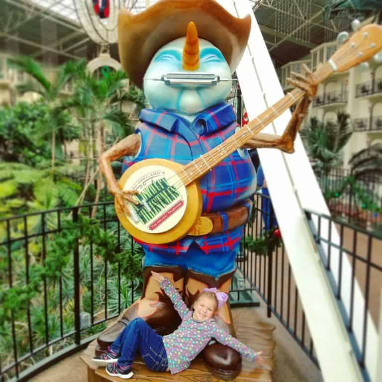 Gaylord Opryland's Build-a-bear workshop scavenger hunt - snowman playing a banjo statue