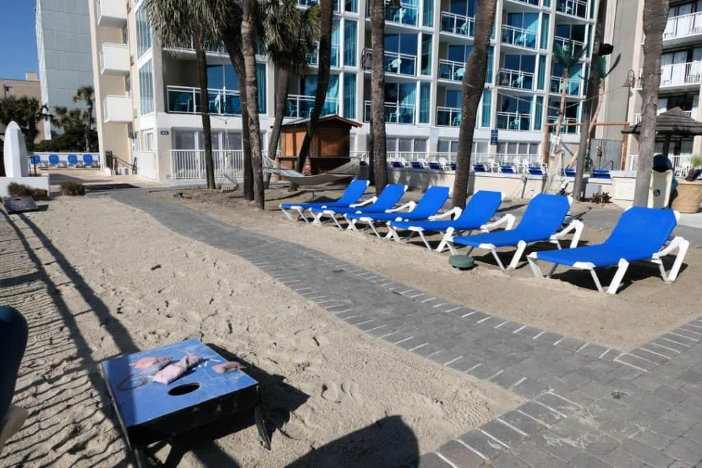 Captains Quarters - beach loungers