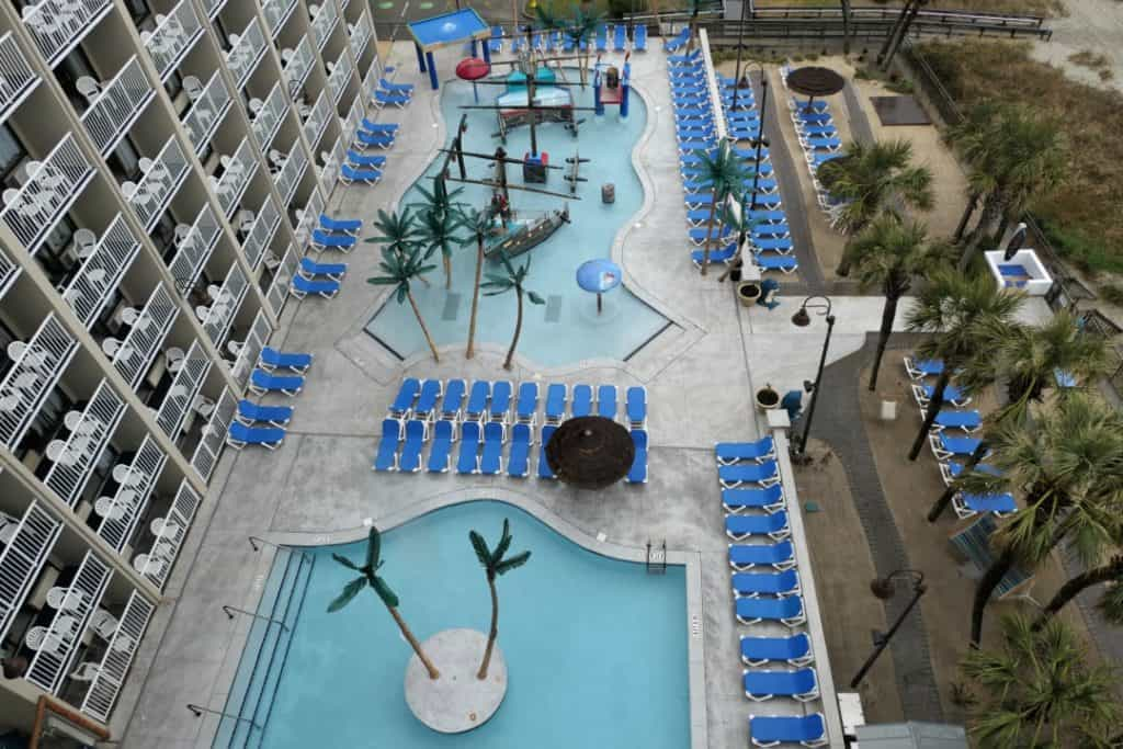Captains Quarters - outdoor family pools