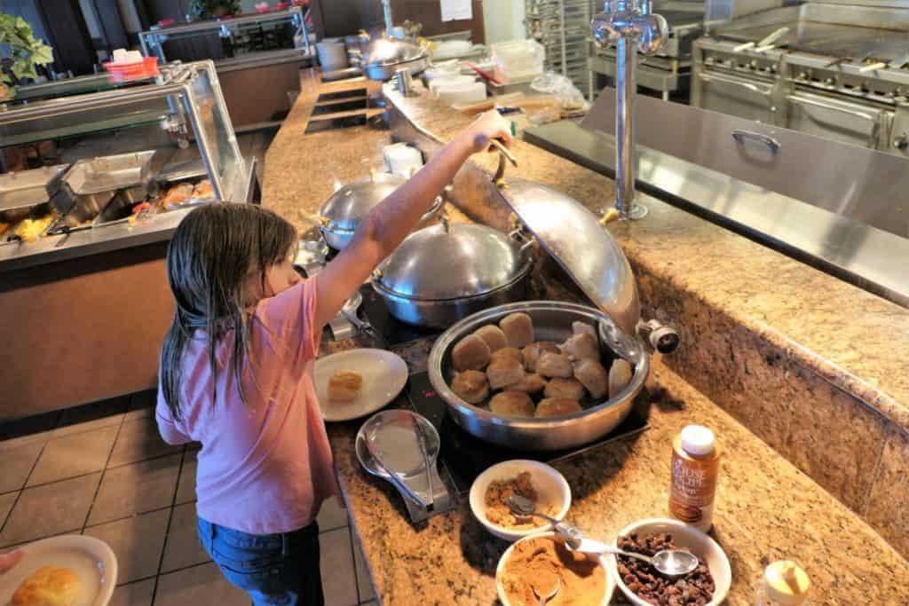 Lake Guntersville Lodge Breakfast Buffet Marshall County Alabama