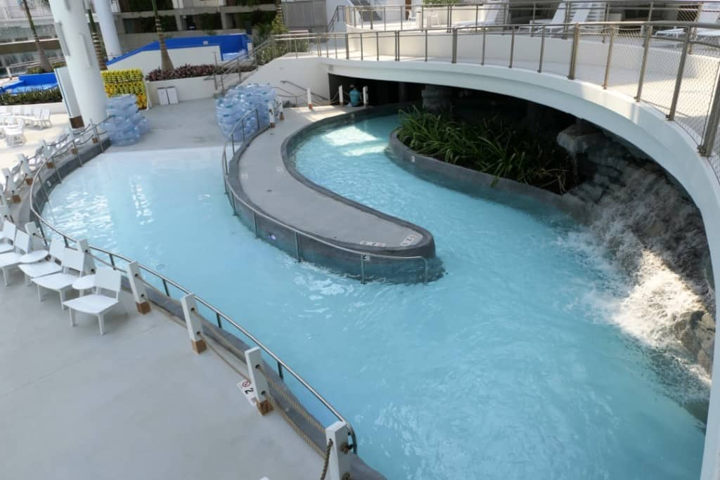 Soundwaves indoor lazy river