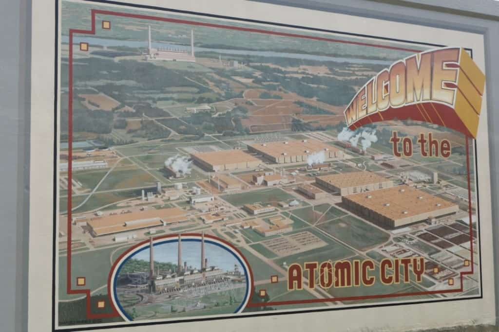 Welcome to the Atomic City Mural in Paducah, Kentucky